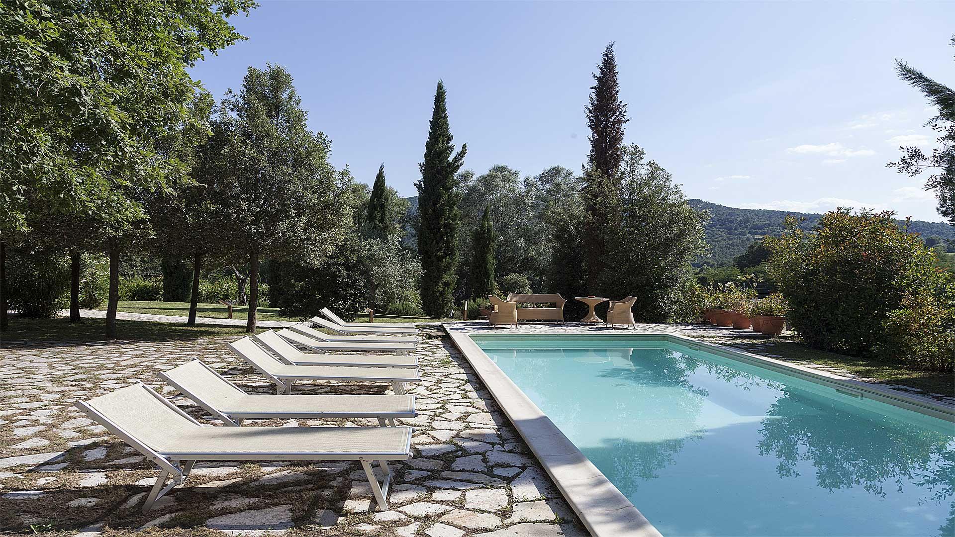 Casale Belforte - La piscina